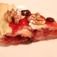 Vegan Strawberry Pie. Irresistible and easy to make.